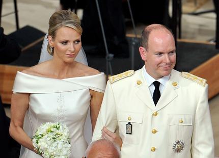 ef0e846fad7e Nu har de sagt ja till varandra en andra gång, Charlene Wittstock och furst  Albert. Ceremonin är över och nu väntar festen.