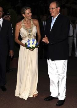 50 års fest klädsel Charlene och Albert på 50 års jubileum   Svensk Damtidning 50 års fest klädsel