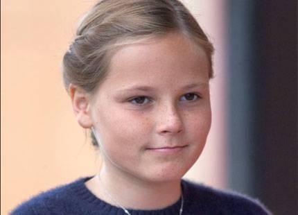 Prinsessan Ingrid Alexandra på uppdrag med farfar | Svensk Dam