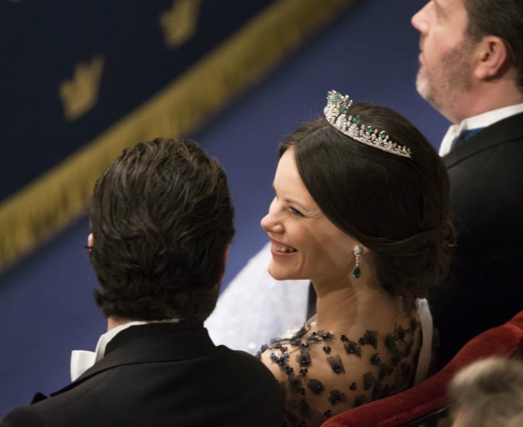 Vi avslöjar! Sanningen om Sofias Nobel-tiara