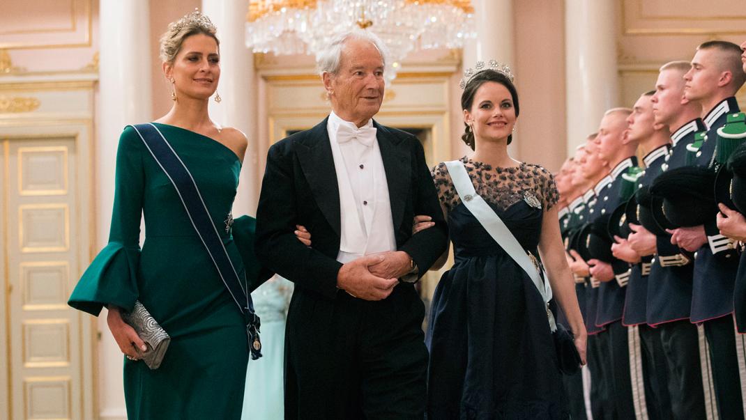 Här debuterar Sofia under den kungliga festen