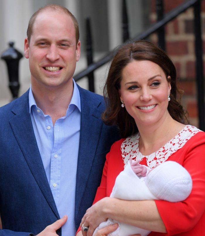 Kate och William med sin nyfödde son.