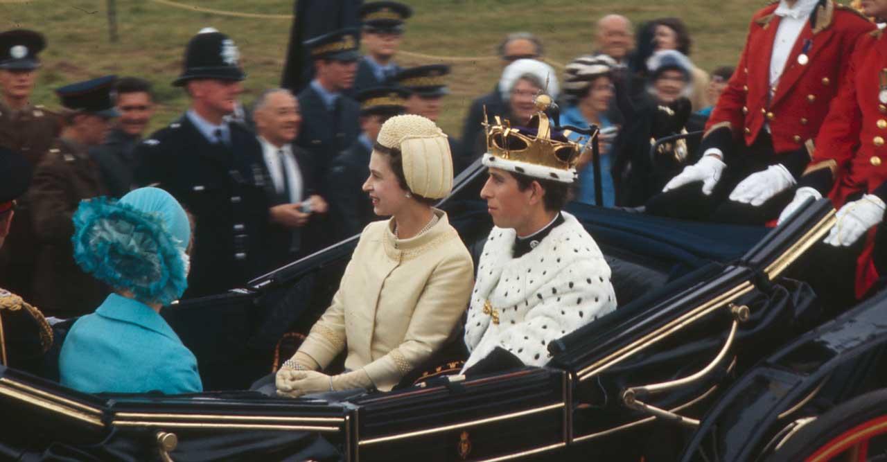 the crown drottning Elizabeth