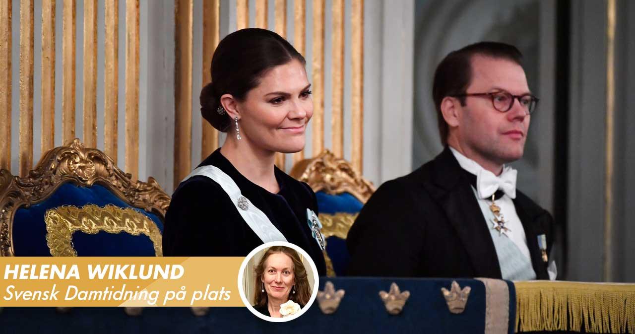 Efter all kritik – här anländer kungafamiljen till Svenska