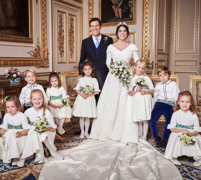 Prinsessan Eugenie och Jack Brooksbank efter bröllopet som stod i Windsors slottskapell St George's Chapel den 12 oktober förra året.