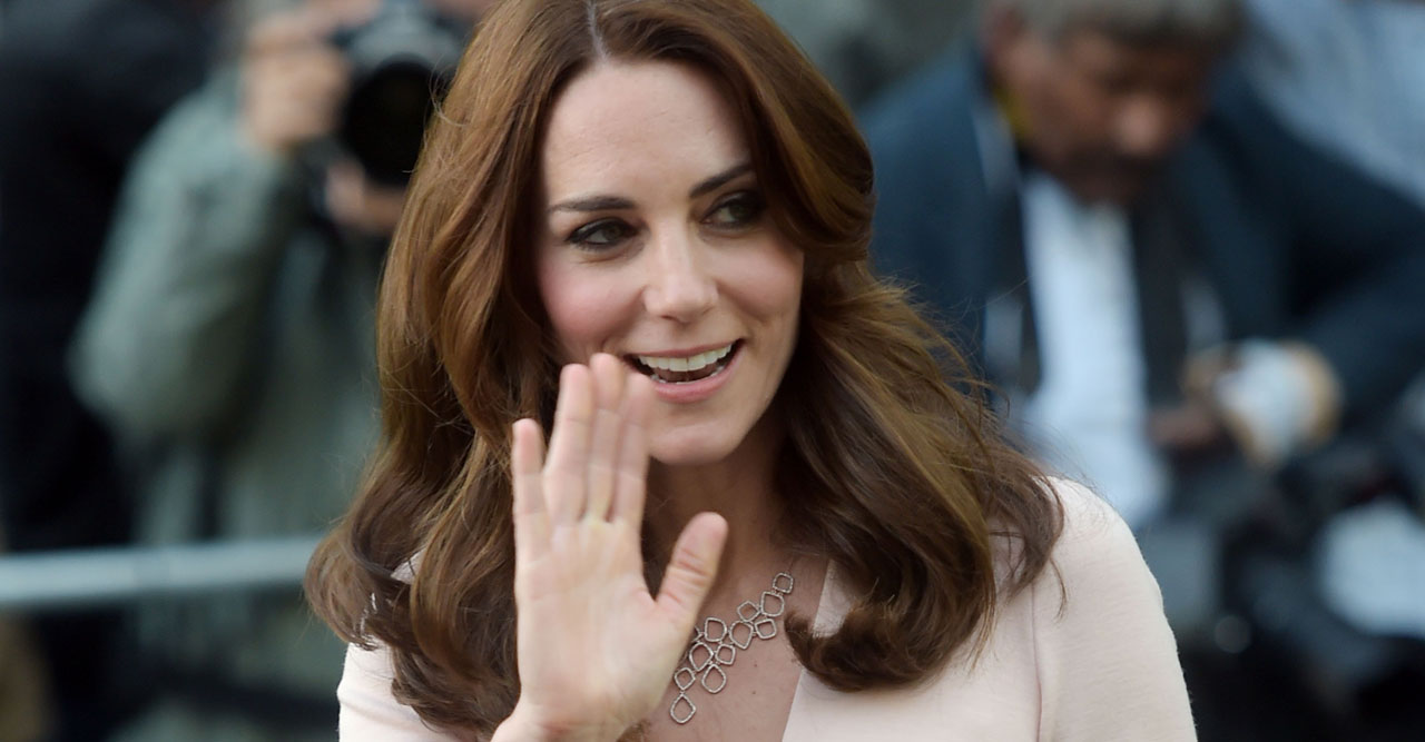Kate i rosa rouge