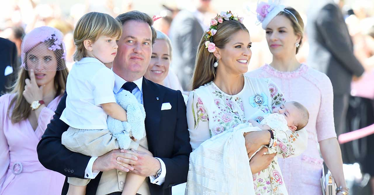 Prinsessornas klänningar på barnens alla dop