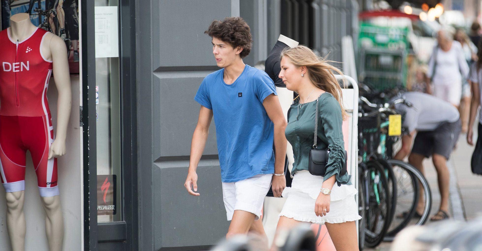 Prins Nikolai och flickvännen Benedikte flyttar ihop