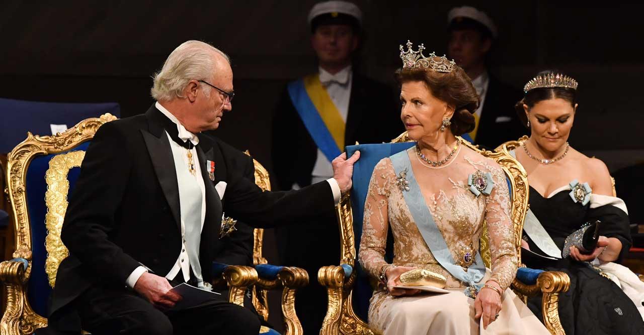 Kungens fina gest mot Silvia – mitt under Nobelfesten