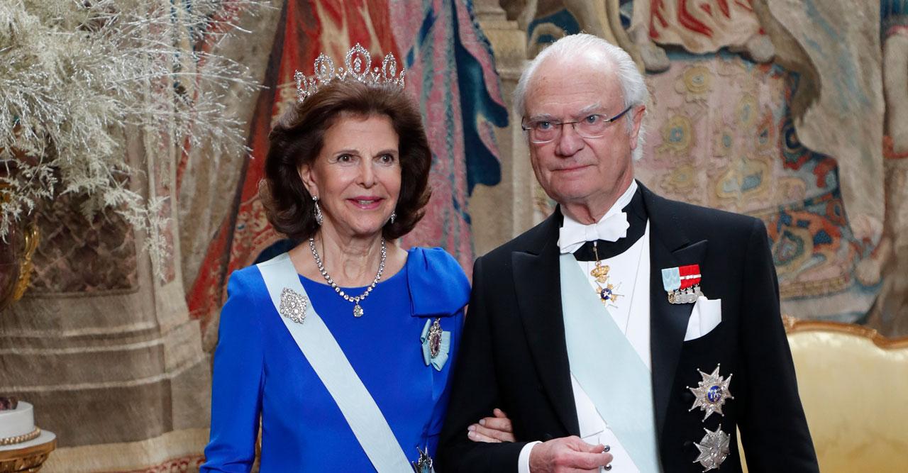 Första bilden på drottning Silvia från Kungamiddagen