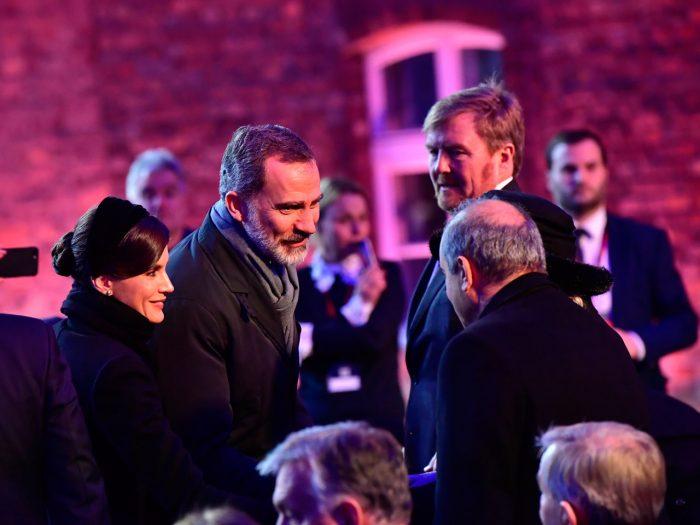Kung Felipe, drottning Letizia och kung Willem-Alexander vid minnesceremonin i Auschwitz.