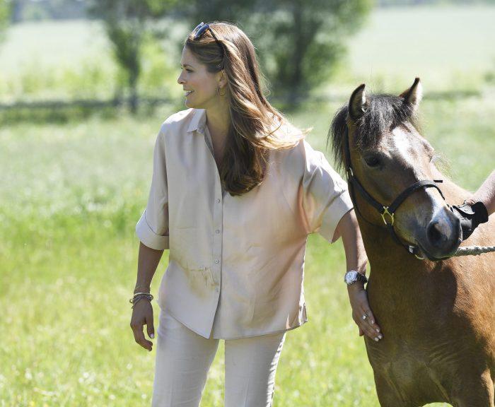 Madeleine har alltid älskat hästar.
