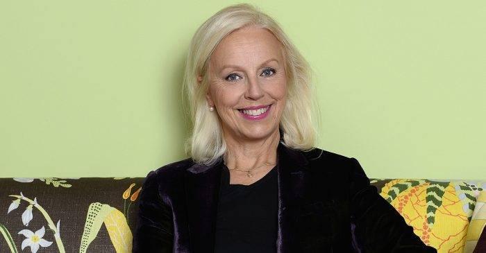 La mezzosoprano sueca ha sido elogiada en todo el mundo por su fantástica voz.  En 1995 fue nombrada cantante de la corte y recibió los Grammys suecos y estadounidenses.