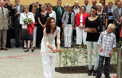 Kronprinsessan Mary invigde ny lekplats