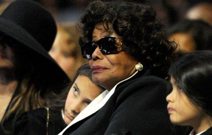 Michaels Jacksons mamma får vårdnaden om barnen