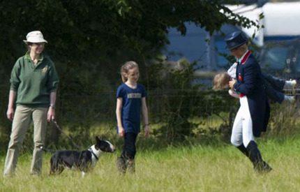 Prinsessan Annes familjedag på hästtävling i Cotswolds