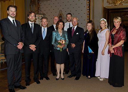 Kungens födelsedagspresent: Drottning Silvia i marmor