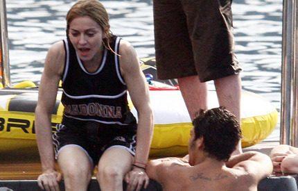 Madonna firar födelsedagen med ett dopp