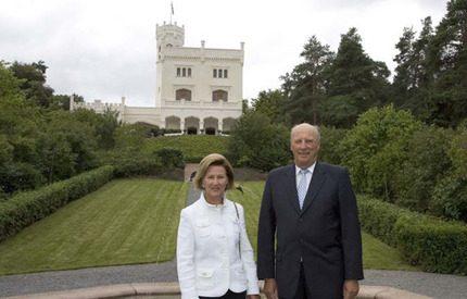 Kung Harald återöppnade slottet Oscarshall