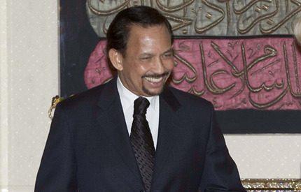 Sultanen av Brunei vill bli fin i håret till varje pris