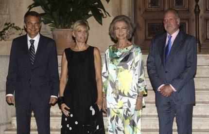 Kung Juan Carlos har blivit skäggig i sommar
