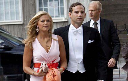 Triss i kungligheter på romantiskt bröllop