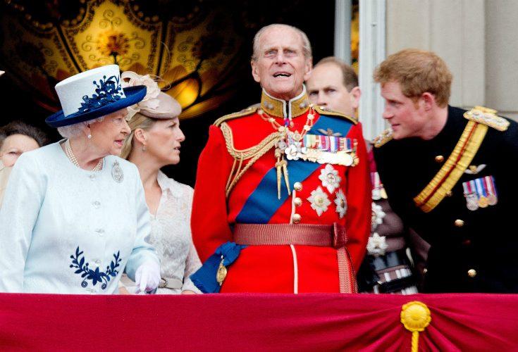 Prins Harrys galna present till drottningen
