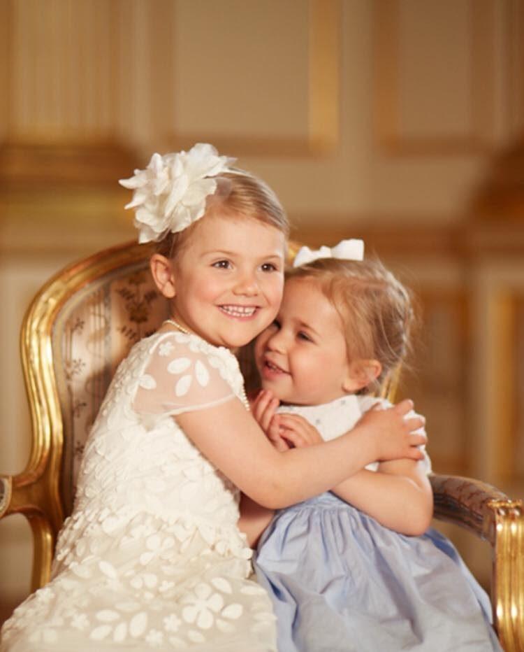 41d3c65cd1ab Kusiner – och bästa vänner! Se bilderna på Estelle och Leonore ...