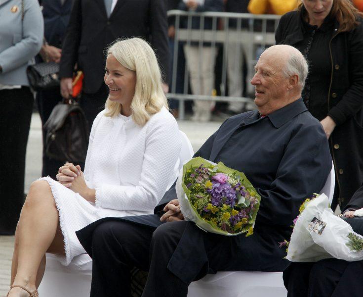 Norska hovet meddelar: Mette-Marit tar Haralds plats