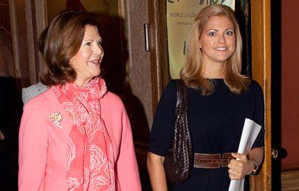 Prinsessan Madeleine och Silvia på Childhood-jobb