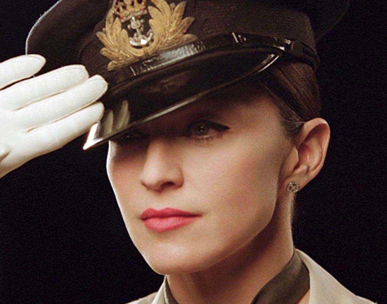 Madonna gör film om det skandalomsusade hertigparet