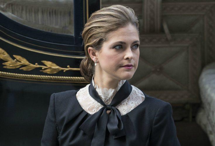 Madeleine missar släktingens begravning