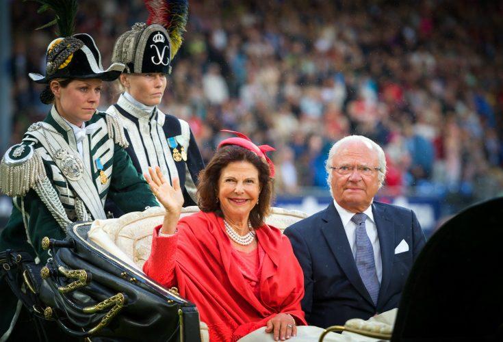 Kungaparets blixtresa till Frankrike - reser redan före Nobel