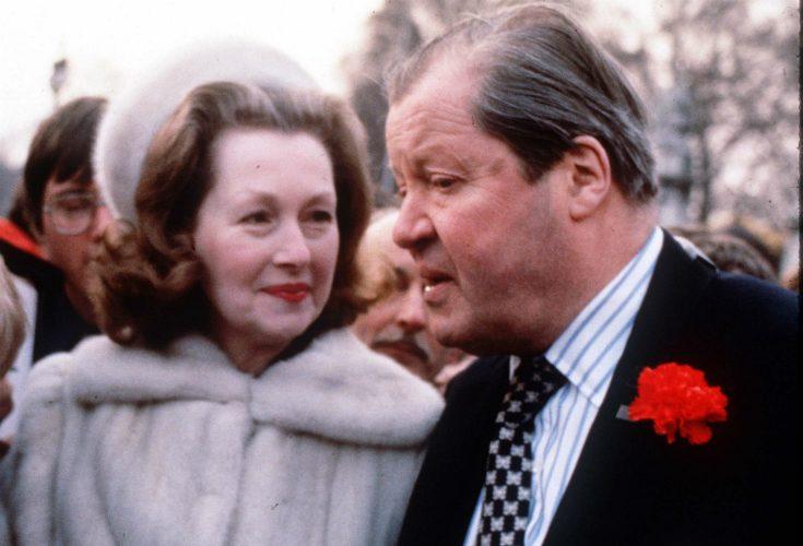 Prinsessan Dianas styvmor har avlidit