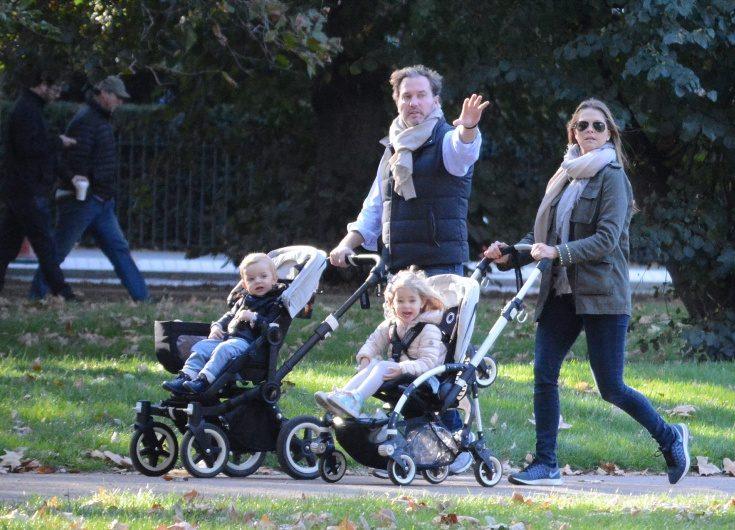Exklusivt! Nya bilder på Madeleine och barnen i London