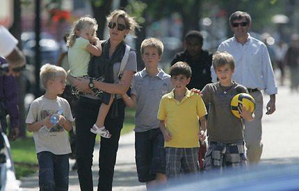 Bildspel! Prinsessan Cristina busar med barnen