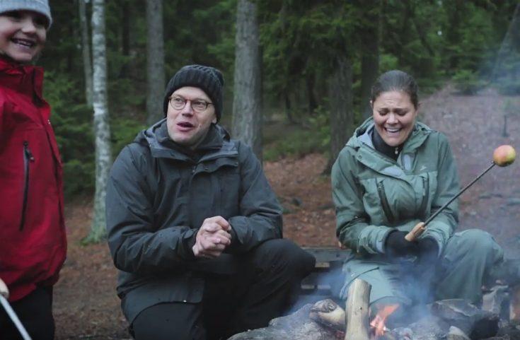 Kronprinsessfamiljen älskar att vara ute i skogen.