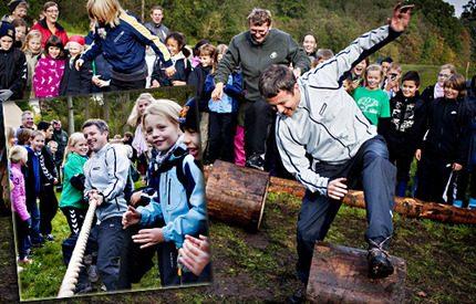 Spex och lek i naturen med kronprins Frederik