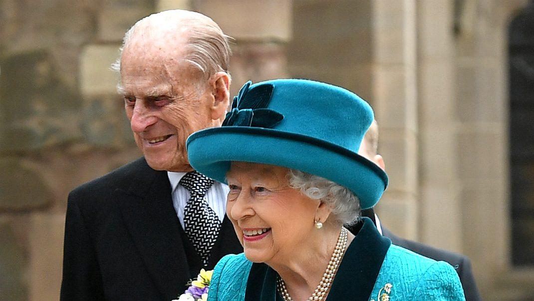 Första bilden på Elizabeth och Philip efter dramatiska natten