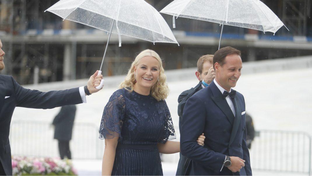 Festligheterna i Oslo fortsätter - se första bilderna på Victoria och Silvia
