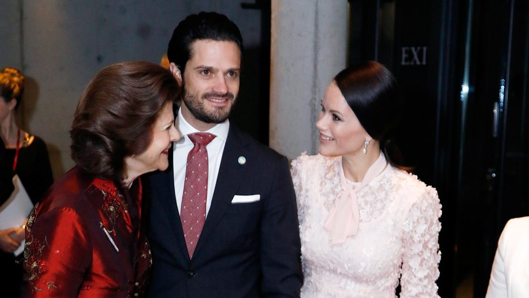 Nu stöttar Sofia drottning Silvia i hjärtefrågan