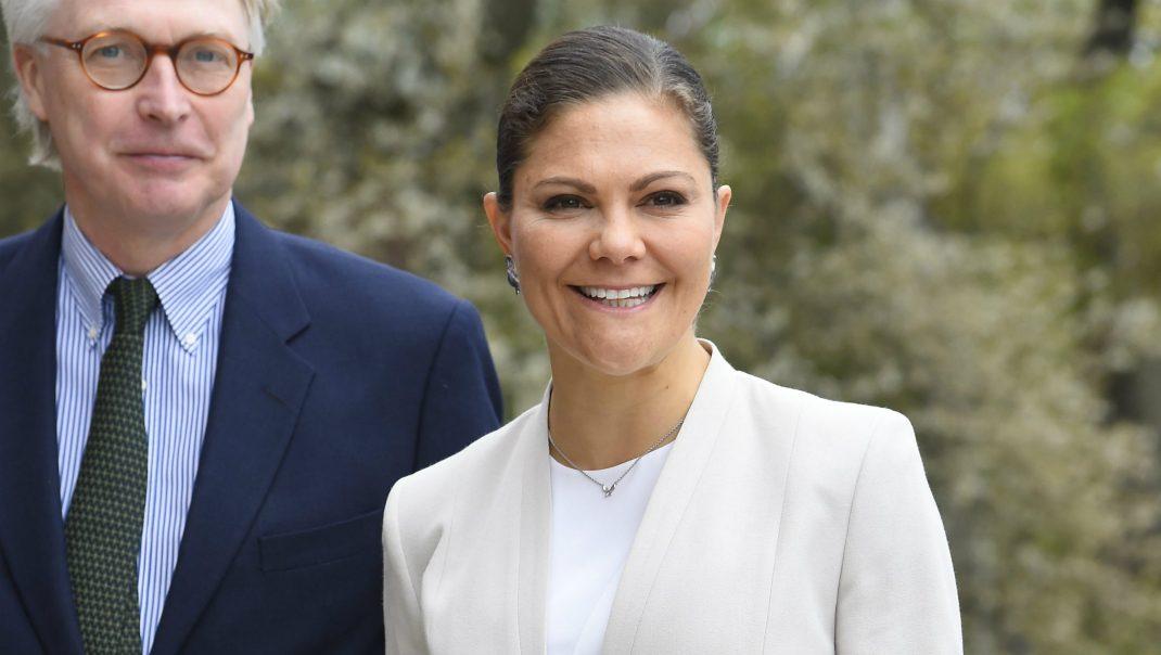 Kronprinsessans viktiga möte - se nya bilderna