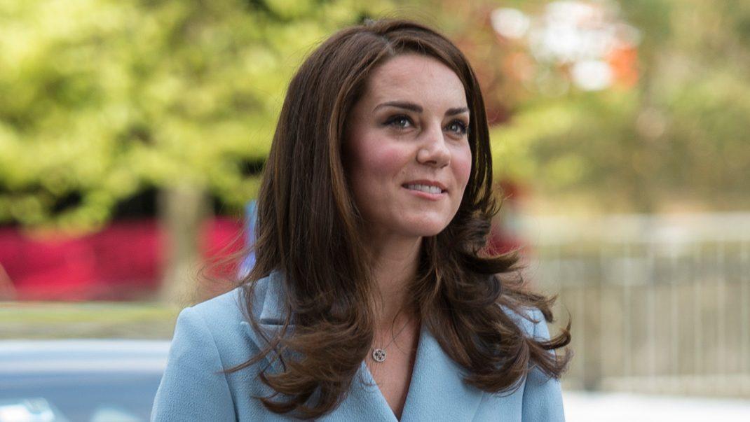 Kate avslöjar sin oro över George och Charlotte