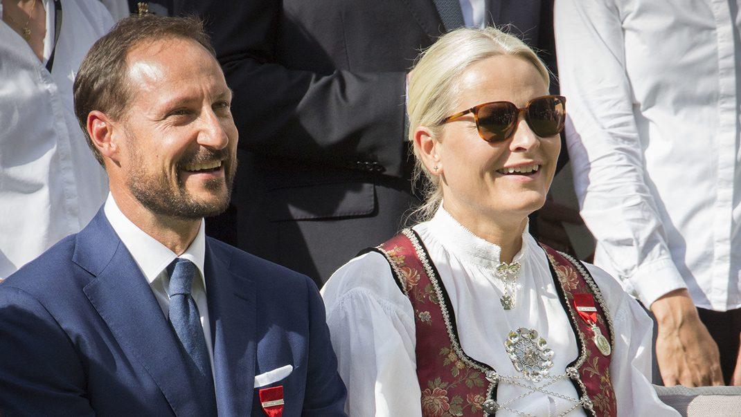5 lyckligaste äktenskapen – se kungliga listan!