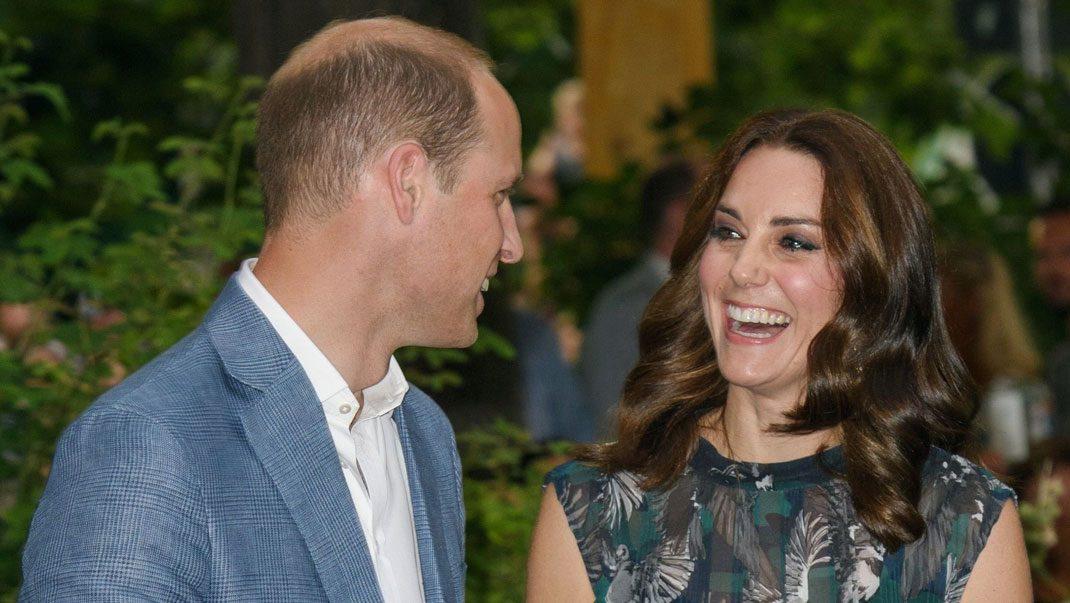 Bildspel! William överraskar Kate på Europaresan