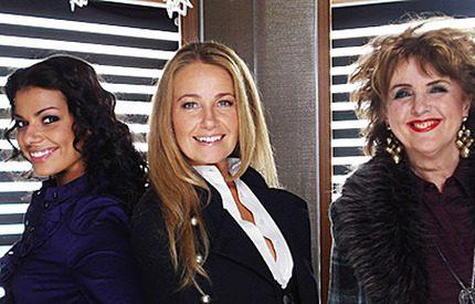 Elisabet,Yvonne och Carin avslutar veckan kungligt!
