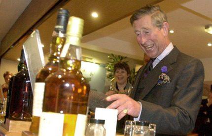 Prins Charles gör rysk succé som whiskyexportör!