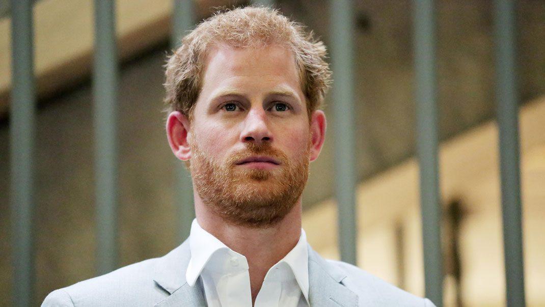 Prins Harry firar födelsedagen utan flickvännen