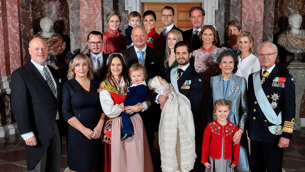 Bildextra! De 7 bästa bilderna från prins Gabriels dop