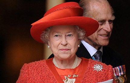 Färgstarka drottning Elizabeth fyller 84 år idag